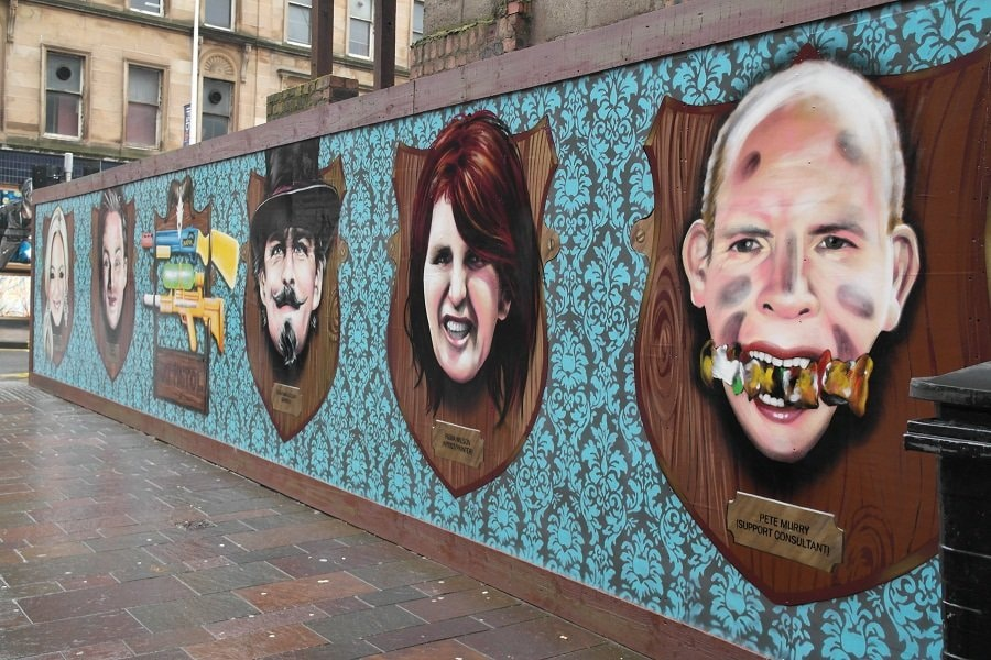 Mounted heads street art