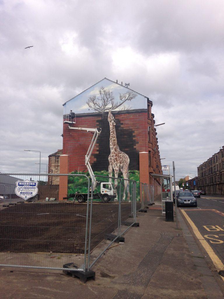 Shettleston giraffe mural