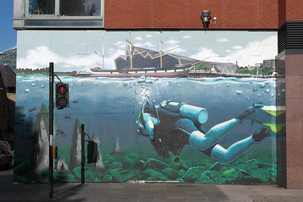 Diver street art