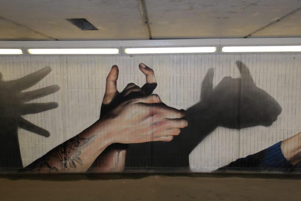 Bull hand shadow art