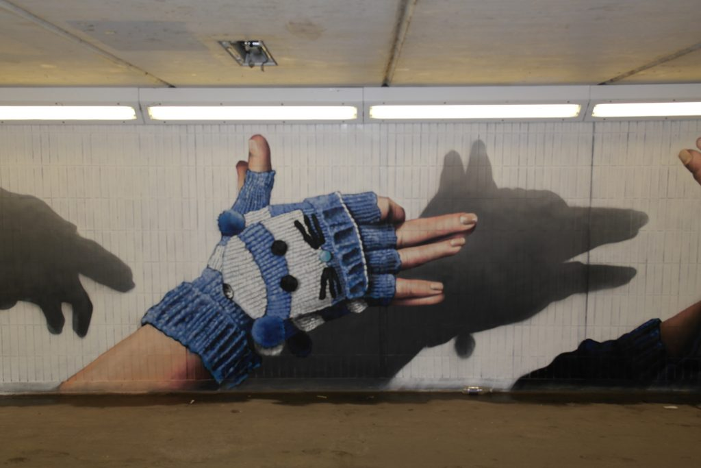 Fox hand shadow painting