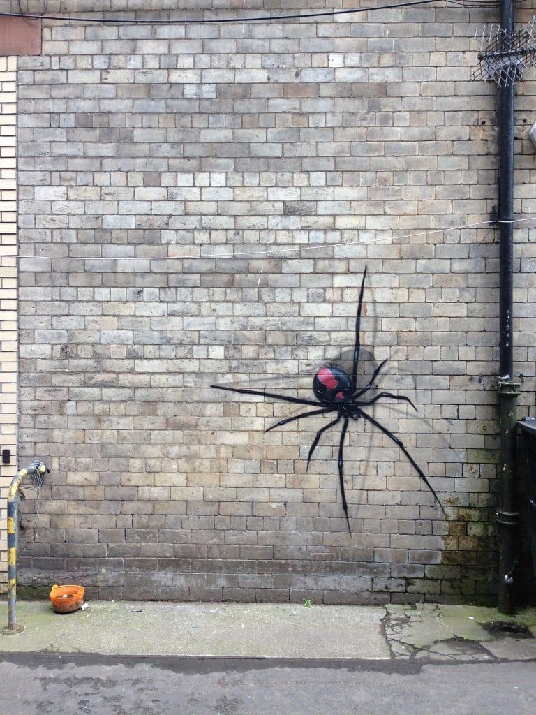 Spider spray paint