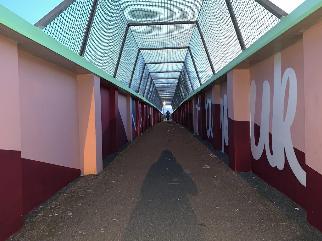 simple colour bridge